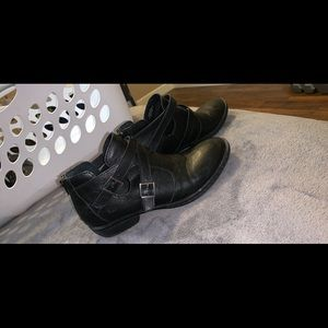 Boc ankle boots